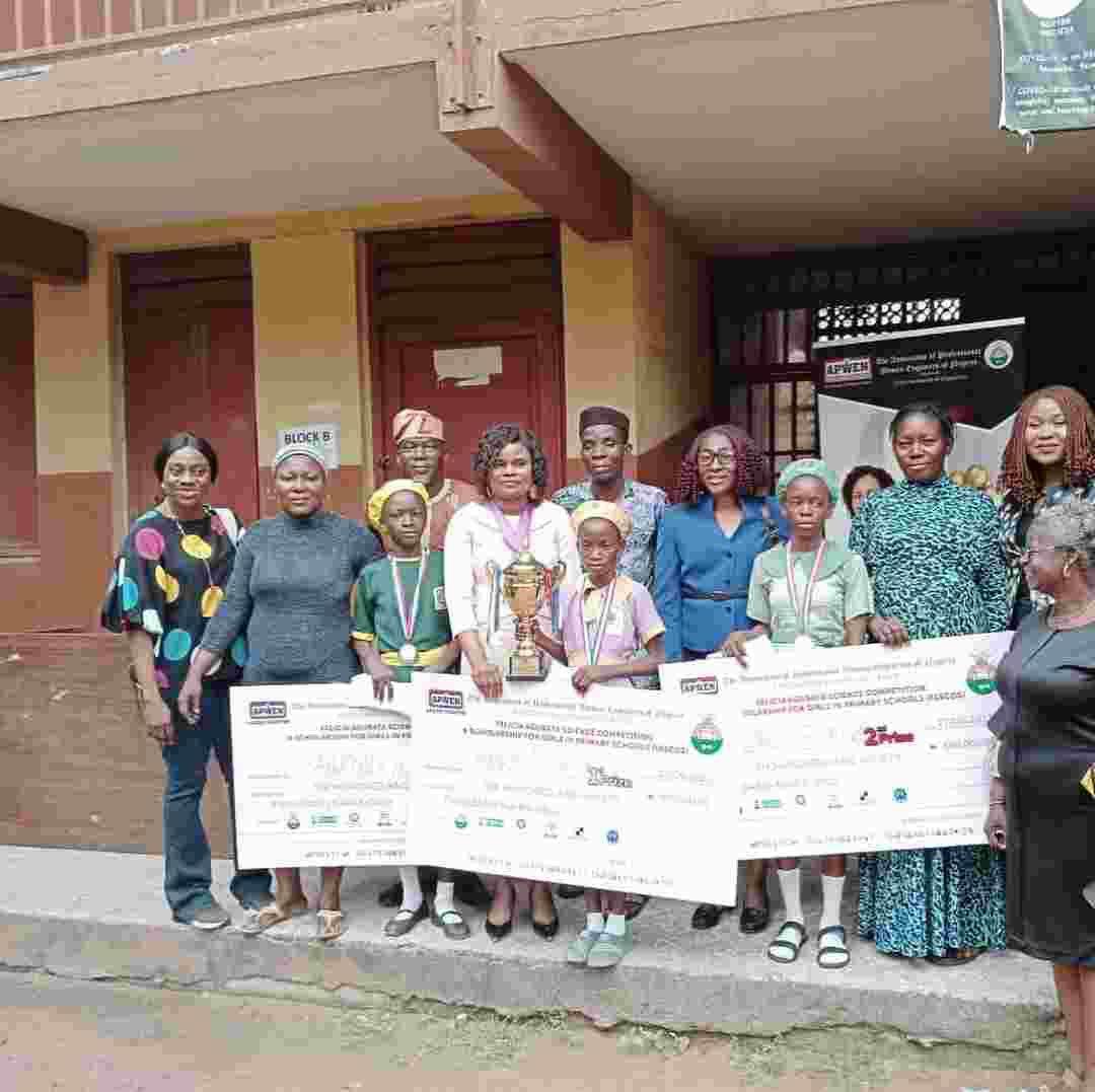 Winners of Felicia Agubata Scholarship for Girls  get prizes